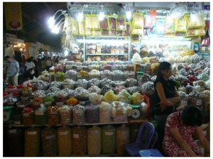 Photo of a food stall at Ben Thanh market